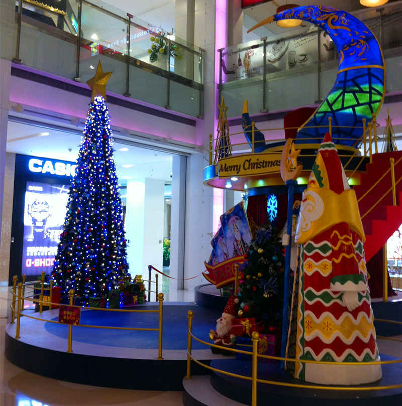 商业广场大型圣诞装饰方案 深国投圣诞装饰图片